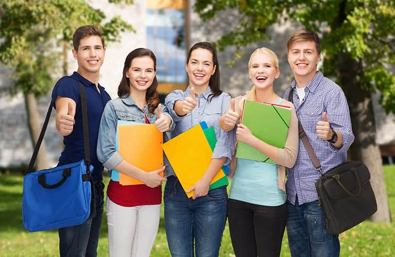 students thumps up new - Prépas